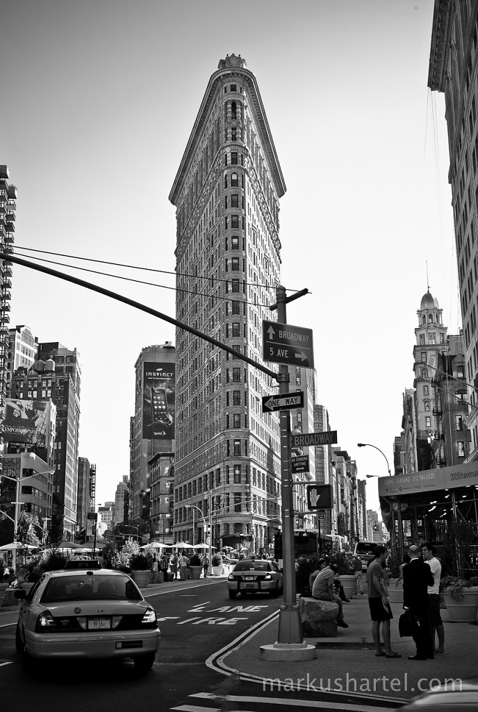 Flatiron Building and Taxicab